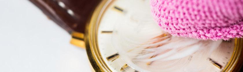 Uhr Kratzer polieren